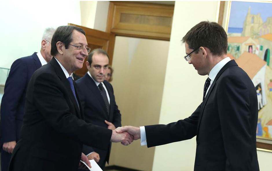 Ambassador Andersen and the President of Cyprus