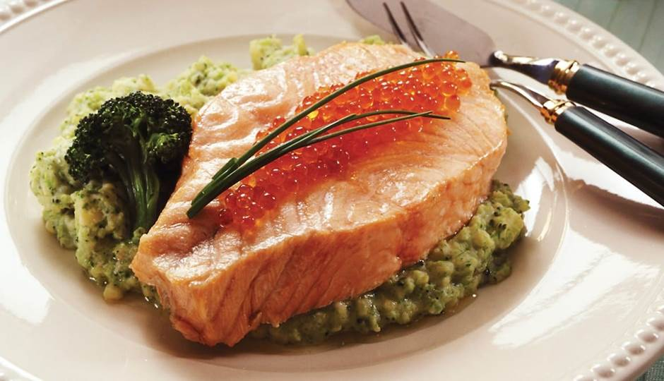 full_butterflied-norwegian-salmon-with-potato-broccoli-puree.jpg