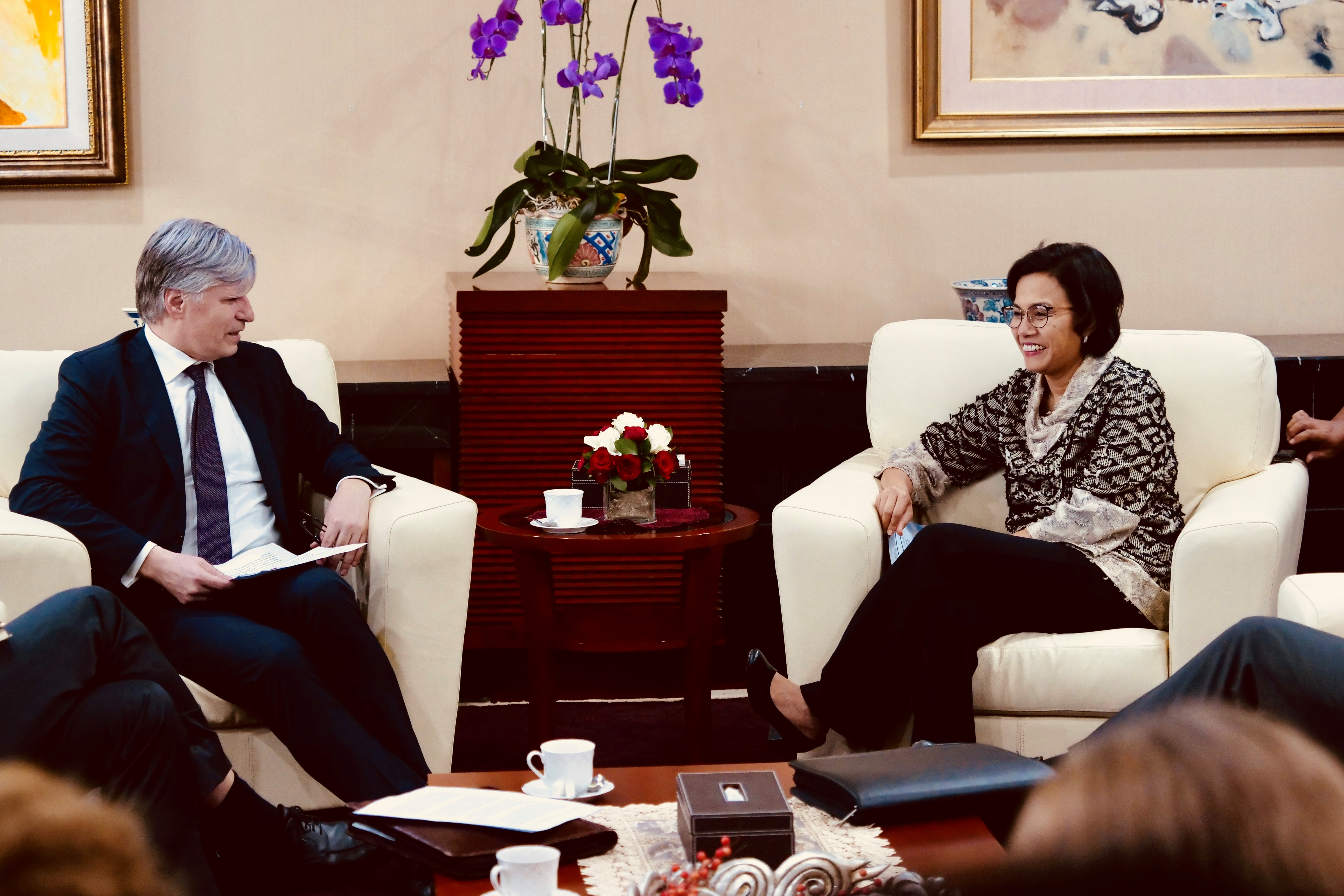 Finance Minister Sri Mulyani receiving Minister Elvestuen in the Ministry of Finance.