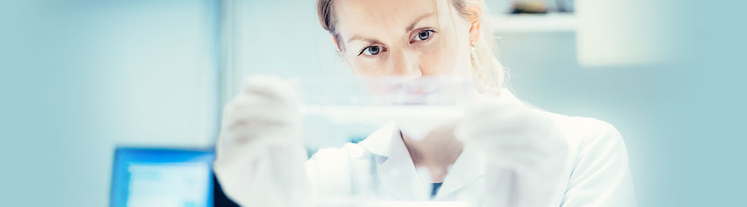 researcher in a lab - Photo:Ilja C. Hendel